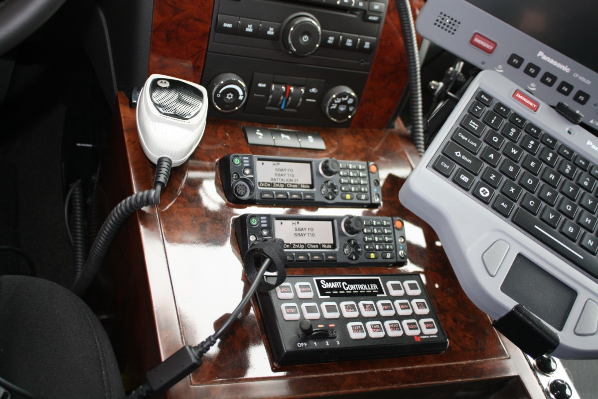 Fire vehicle radio console